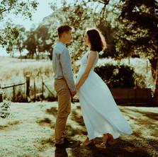 Photographe à Troyes, séance photo de couple dans le jardin