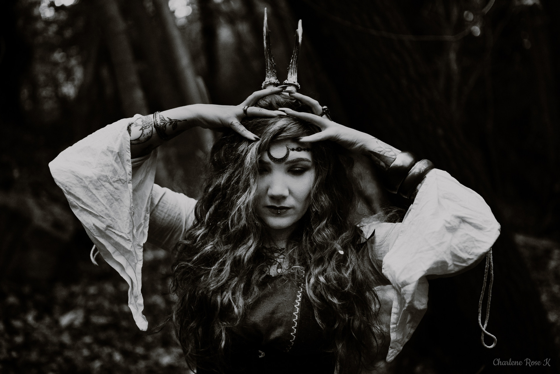 seance-photo-troyes-solo-femme-exterieur-witchy-crk-9