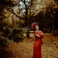 Photographe à Troyes, Portrait de femme à l'automne avec couronne de fleurs