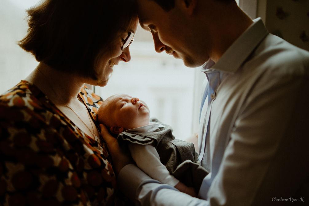 photographe,troyes,bébé,naissance,nouveau,né,famille,domicile,lifestyle,sourire,charlene,rose,k