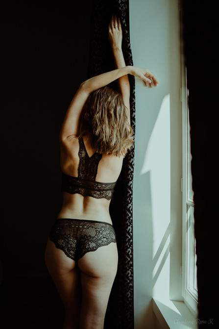 seance,photo,troyes,boudoir,intimiste,femme,bodypositive,sensualité,domicile,sexy,charlene,rose,k