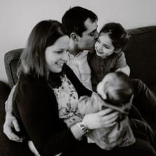Photographe à Troyes, séance photo famille lifestyle en noir et blanc