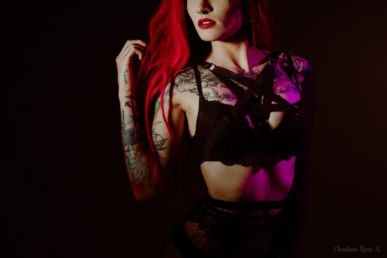 seance,photo,troyes,boudoir,intimiste,femme,bodypositive,sensualité,tatouages,studio,charlene,rose,k