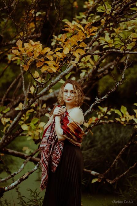 seance-photo-troyes-solo-femme-exterieur-automne-crk-1