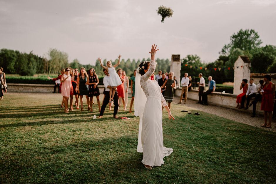 Lancer de bouquet de la mariée au Domaine de Vermoise