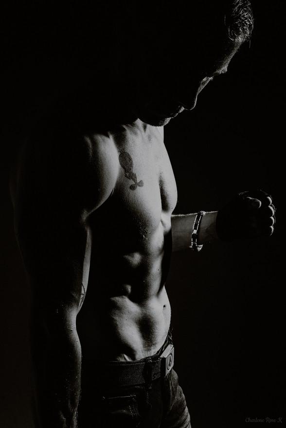 seance,photo,troyes,homme,studio,noir,blanc,sport,nu,charlene,rose,k