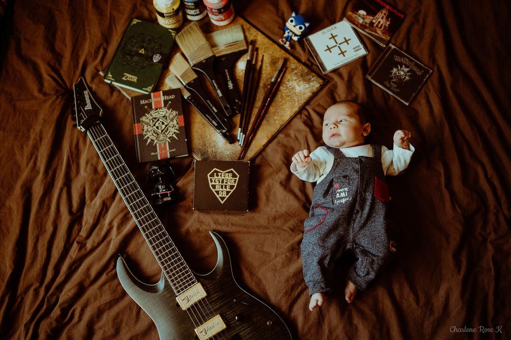 photographe,troyes,bébé,naissance,nouveau,né,famille,domicile,lifestyle,rock,guitare,art,charlene,rose,k
