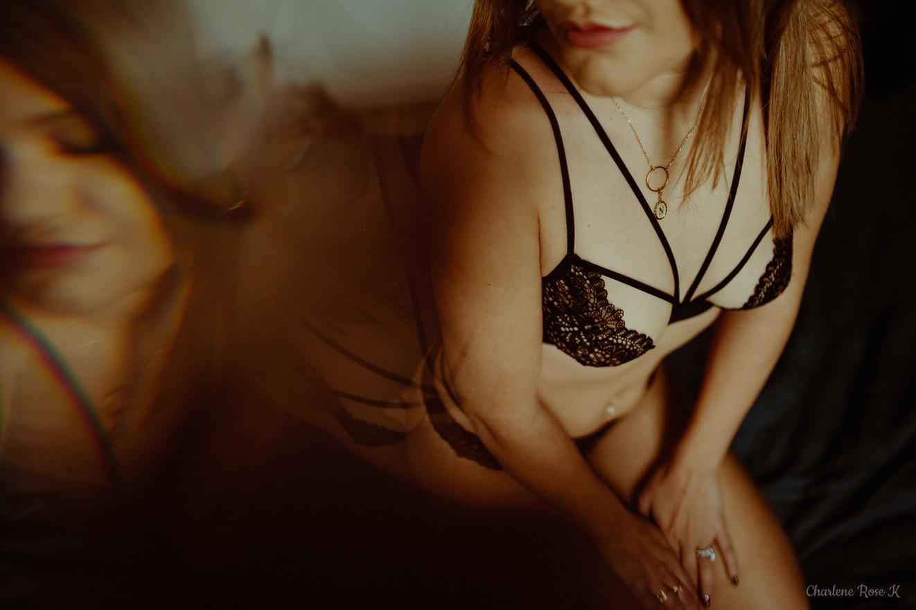 seance,photo,troyes,boudoir,intimiste,femme,bodypositive,sensualité,domicile,charlene,rose,k