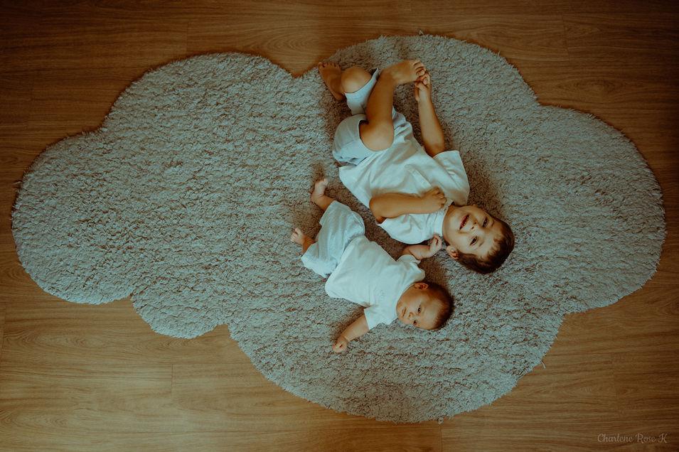photographe,troyes,bébé,naissance,nouveau,né,famille,domicile,lifestyle,frères,charlene,rose,k
