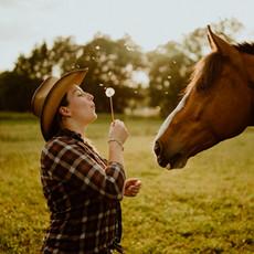 Photographe à Troyes, Séance photo humain et animaux, portrait de femme et cheval