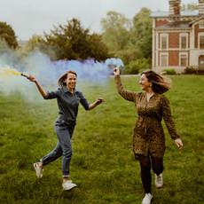 Photographe à Troyes, Séance photo entre copines, avec des fumigènes