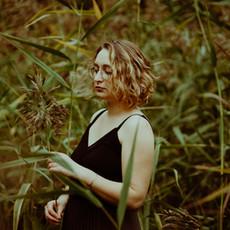 Photographe à Troyes, Portrait de femme naturel en extérieur