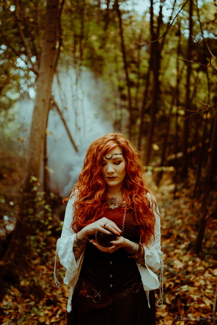 seance-photo-troyes-solo-femme-exterieur-witchy-crk-5