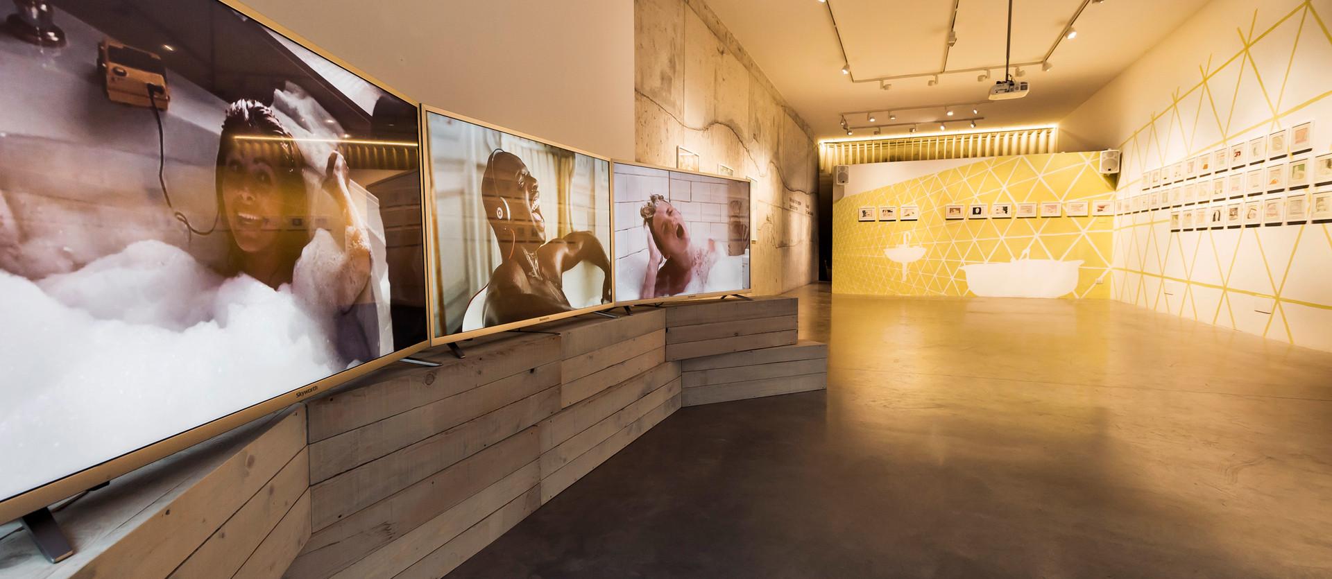 Ausstellungsansicht C-Gallery Milan
