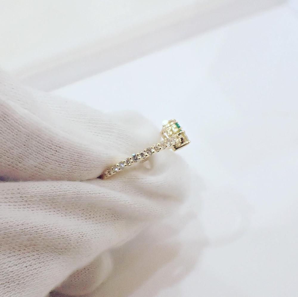 ダイヤモンド リング 指輪 人差し指 金 ジュエリー 山形 宝石店 ジュエリーショップ アトリエジェムカフェ