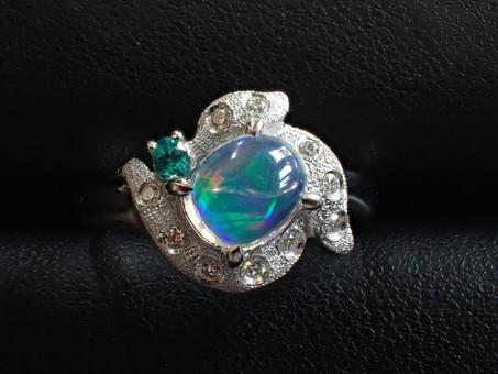 【滝田孝次作品】ウォーターオパールの指輪をご用命頂きました。