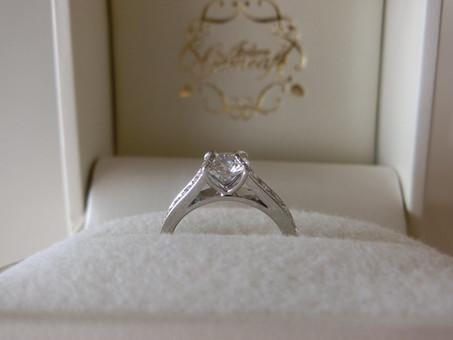 【No.3 ダイヤモンドをテニスボールに見立てた婚約指輪】