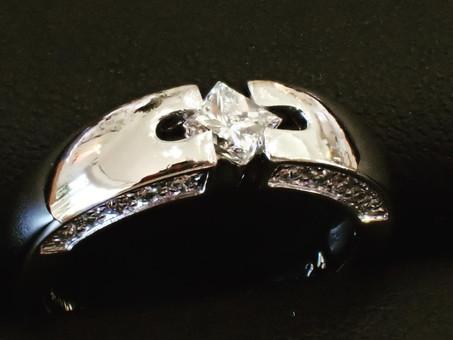 【指輪新品仕上げ実例】プラチナリングの新品仕上げを行いました。