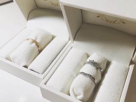 【No.5 重ね付けができるv字形の婚約指輪と結婚指輪】
