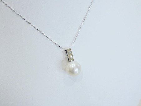 【ジュエリーリフォーム製作例】シロチョウ真珠の指輪をネックレスにリフォームさせて頂きました。
