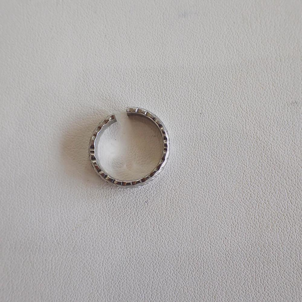 結婚指輪 婚約指輪 ブライダルリング 切断 指輪カット リングカッター ジュエリー修理 指輪修理 指輪サイズ直し 山形県山形市 宝石店 ジュエリーショップ アトリエジェムカフェ