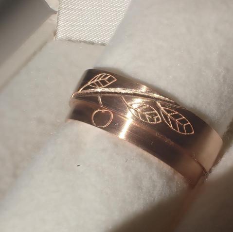 【オーダーメイド】お二人で描いたイラストを描いた結婚指輪