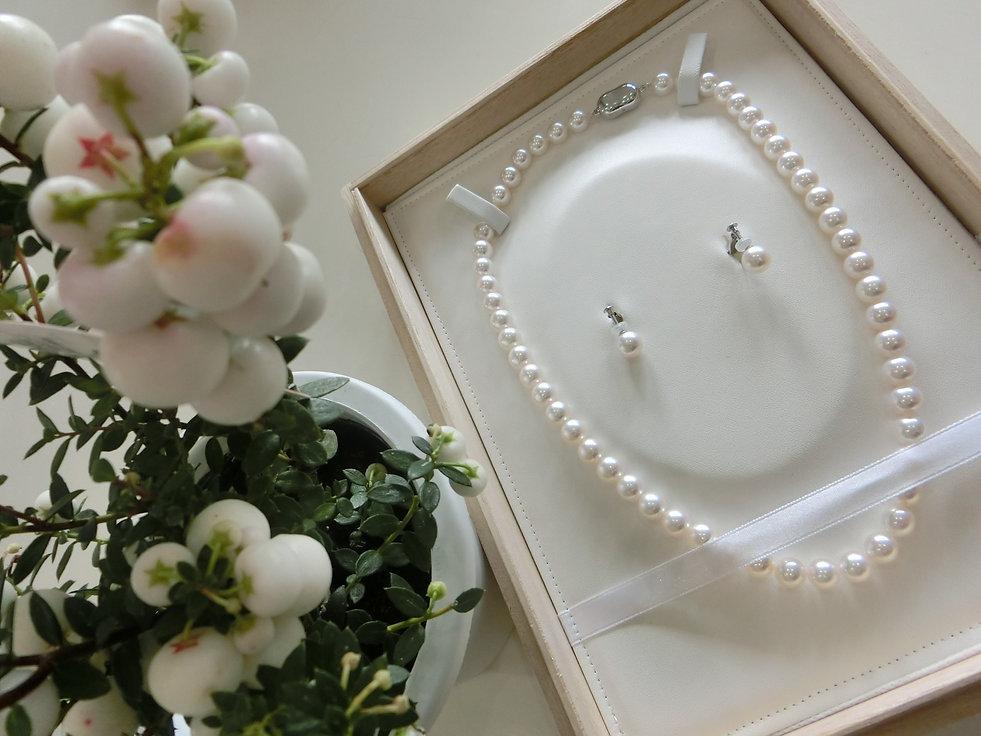 花珠真珠 アコヤ クロチョウ シロチョウ ネックレス イヤリング