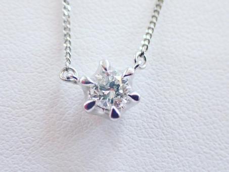 【ジュエリーリフォーム】ダイヤモンドのネックレスと婚約指輪を、一本のネックレスにお仕立てします。