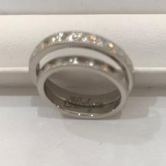 【No.6 指輪の内側にお二人の出会いのきっかけを刻んだ結婚指輪】