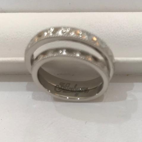 【オーダーメイド】重ねると、文字が完成する結婚指輪