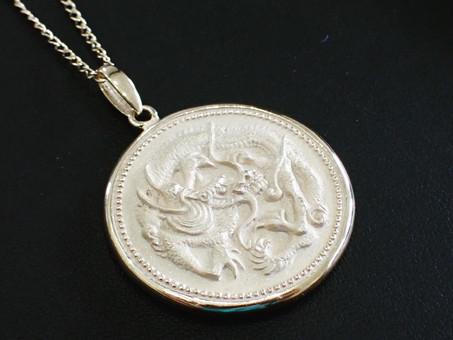 【お守りネックレス】龍と龍体文字を彫刻したネックレスをご用命頂きました。