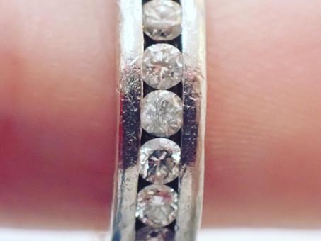 【リング修理】フルエタニティリングのダイヤモンド交換