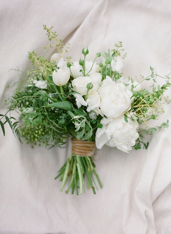 Minimal Wedding Bouquet