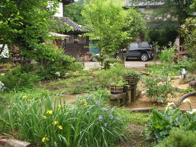 パン屋さんのお庭