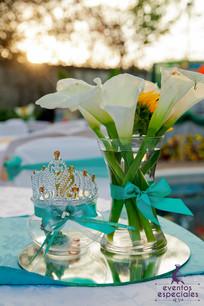 flores blancas jasmines decoracion con flores bases de espejos