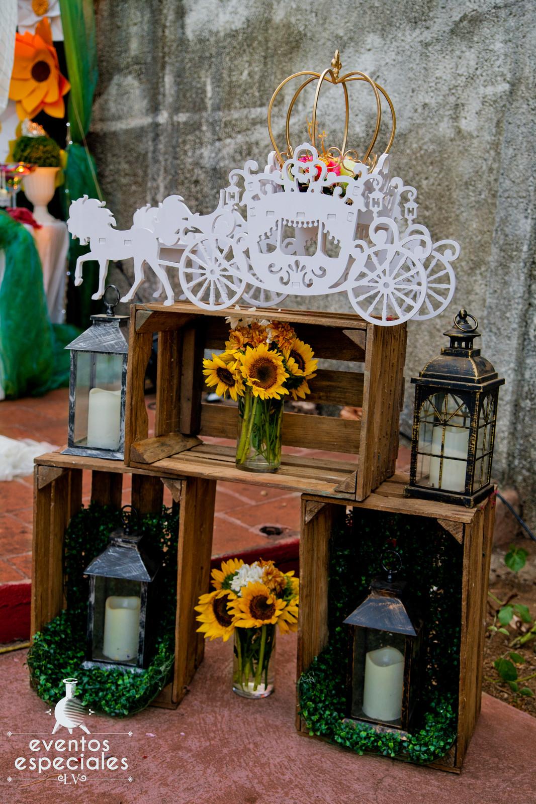 Carroza Decorativa Decoracion Con Lamparas Maderas Y Girasoles