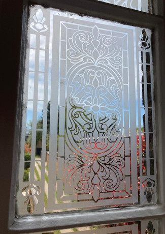 Etched glass close up.jpg