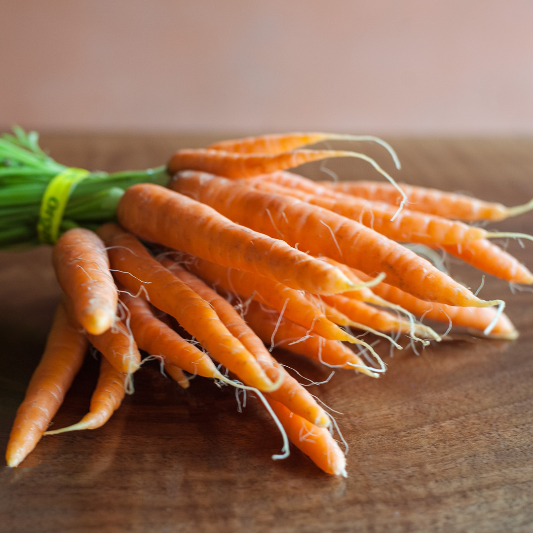 Carrots Bunched-web.jpg