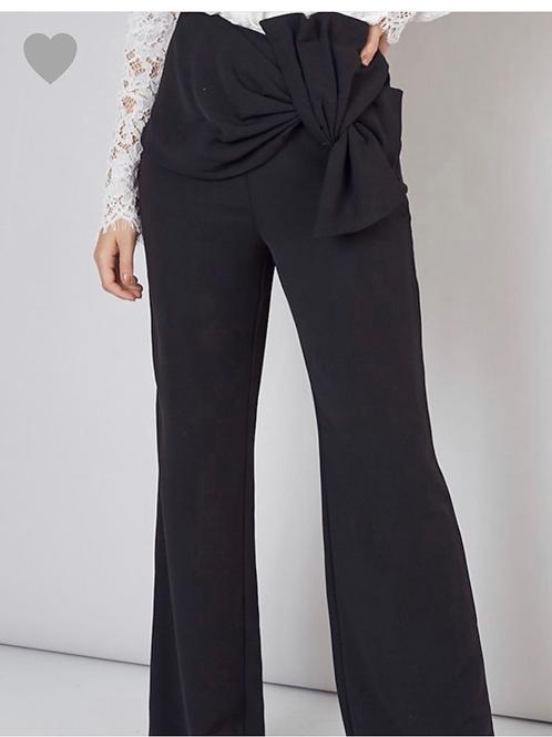 Black pants w/twist front