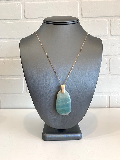 Green Oval Pendant Necklace