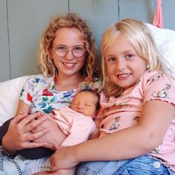 Supertrotse grote zussen!!