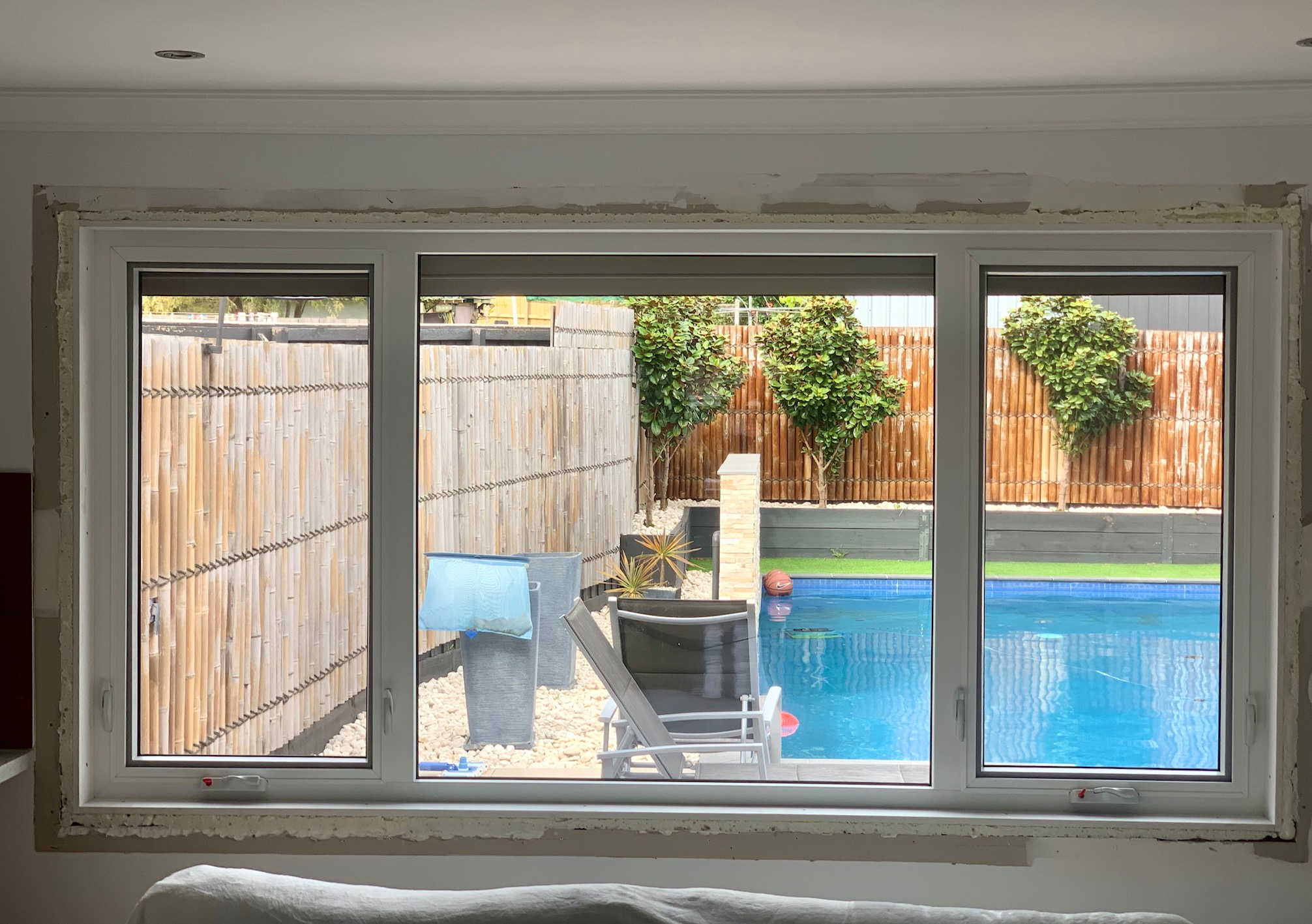 Tropical White/Anthracite Grey awning windows by Astellite