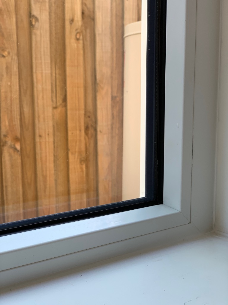 Fixed window in Tropical White