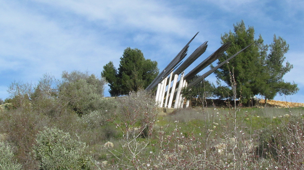 Road breakers monument