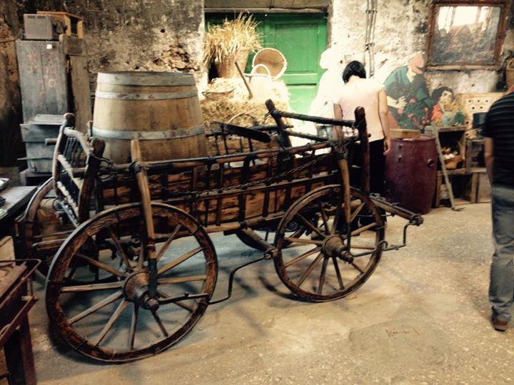 Pioneer farmer's wagon Mikveh Israel
