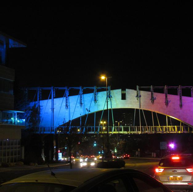 bridgeinblue2.jpg