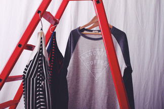 Raglan sleeve print t-shirts