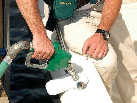 fueling-a-boat.jpg