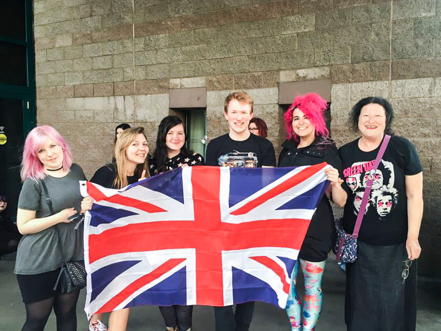 Green Day fans queuing in Las Vegas