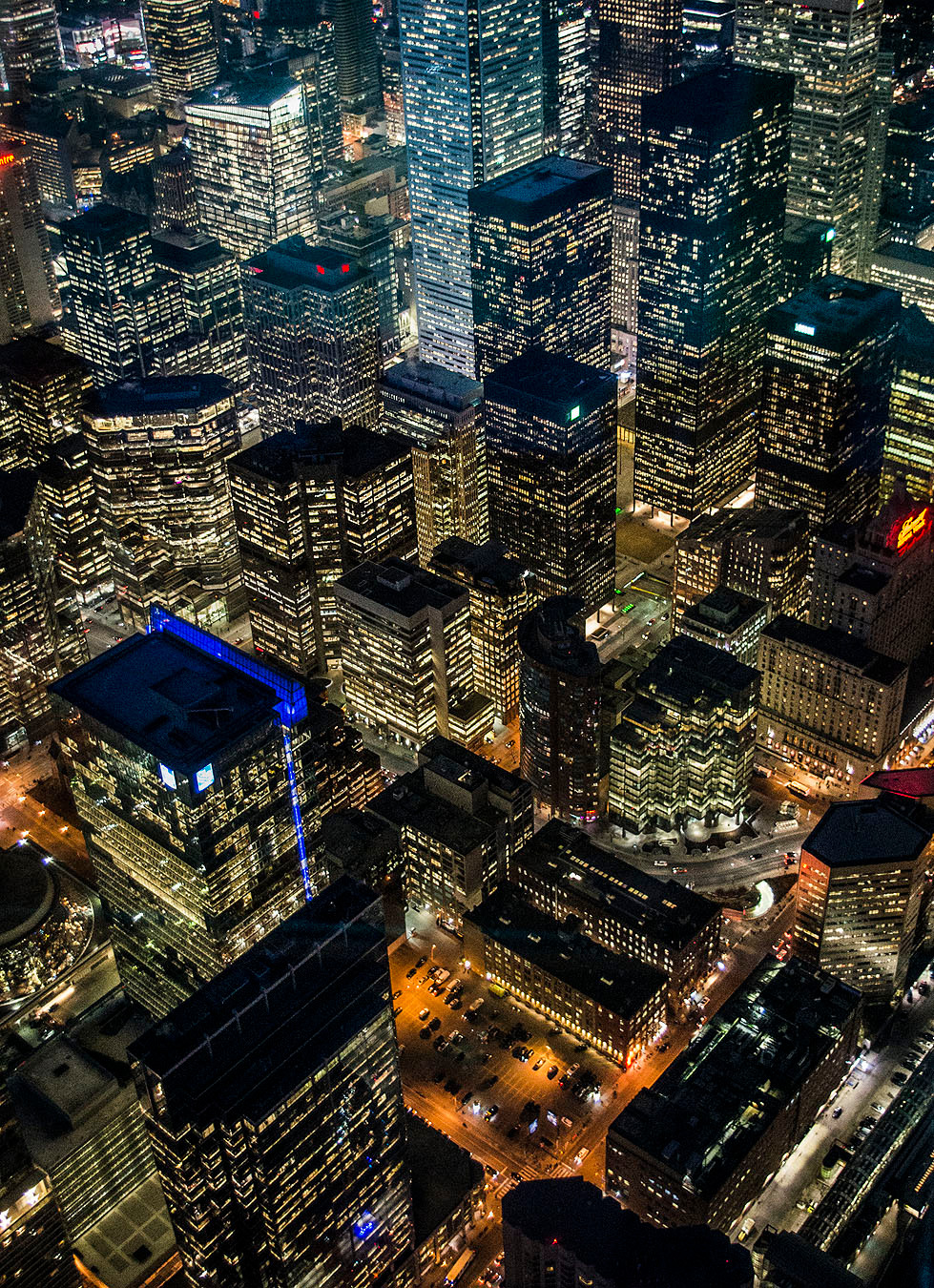 Night view of Toronto from the CN Tower